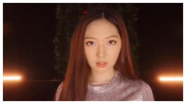 甄子丹女儿17岁生日,高调开社交账号,分享跳舞MV
