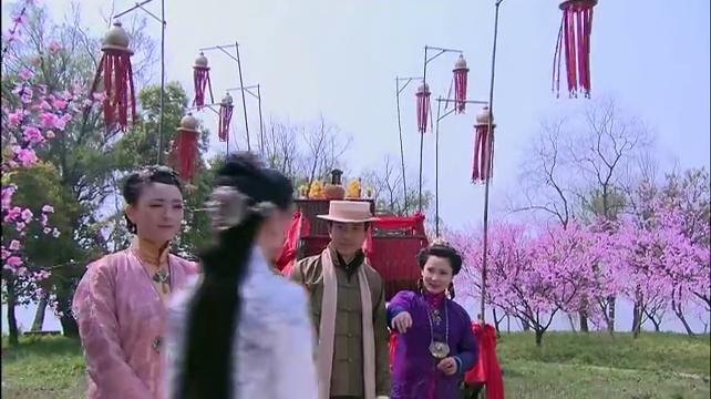 祭完花神,苏雨宁就是香浩宇的妻子了,男子为何要来阻止他们。