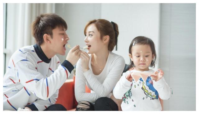 贾乃亮李小璐结婚前,居然有3位前任,最后一个老公,身价破100亿