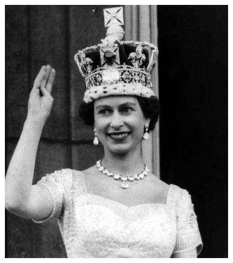 慈禧太后想当清朝的女王,向英国女王学习了一件事,让人哭笑不得