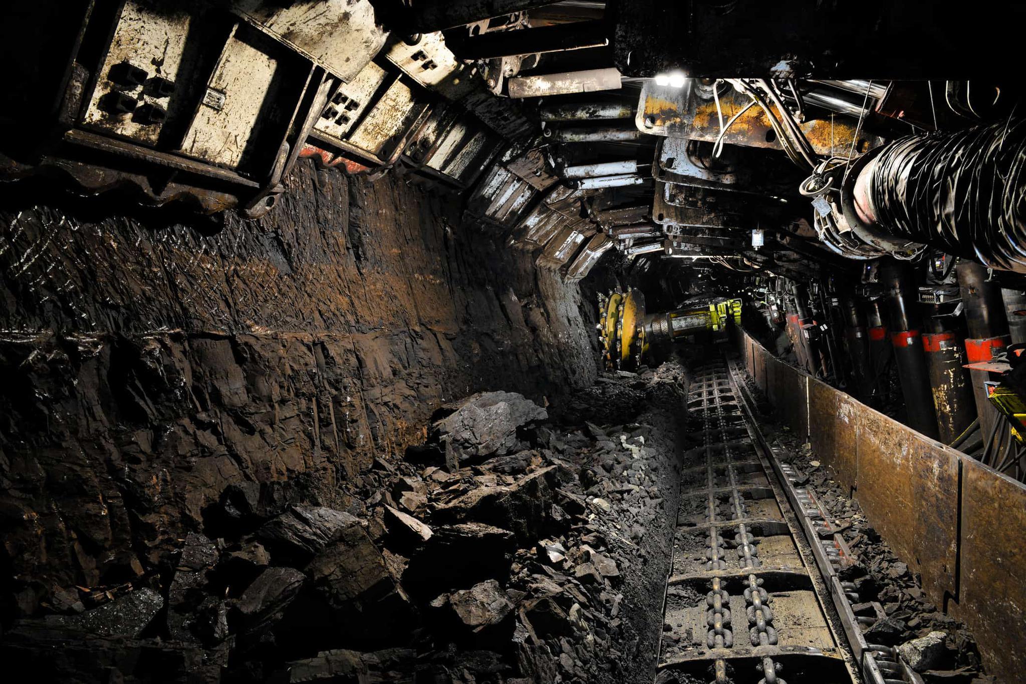 千万吨级陕西可可盖煤矿通过安全核准激发煤机配件市场竞争态势