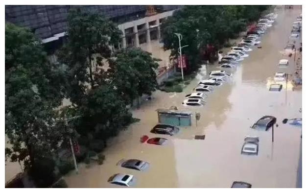 """安徽暴雨揭开新能源""""遮羞布"""",电池短路没法用,修还不值得"""