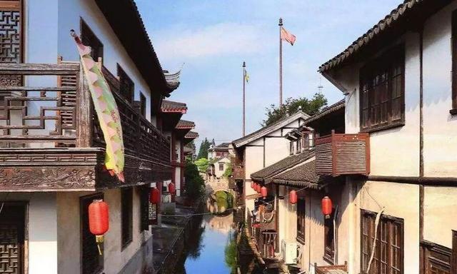上海郊野江南的古典园林南翔古镇,如今的繁华地段小笼包一绝