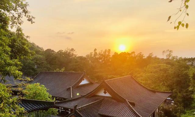 广东江门市400多年历史的深山古寺,珠三角地区难得的世外桃源