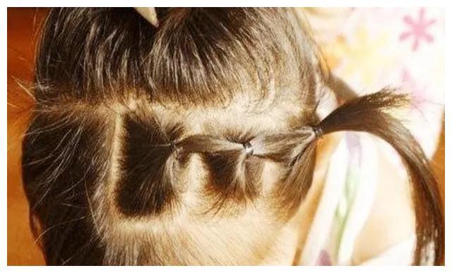 家有女儿的,别再给孩子这样扎头发了,对孩子头部伤害很大