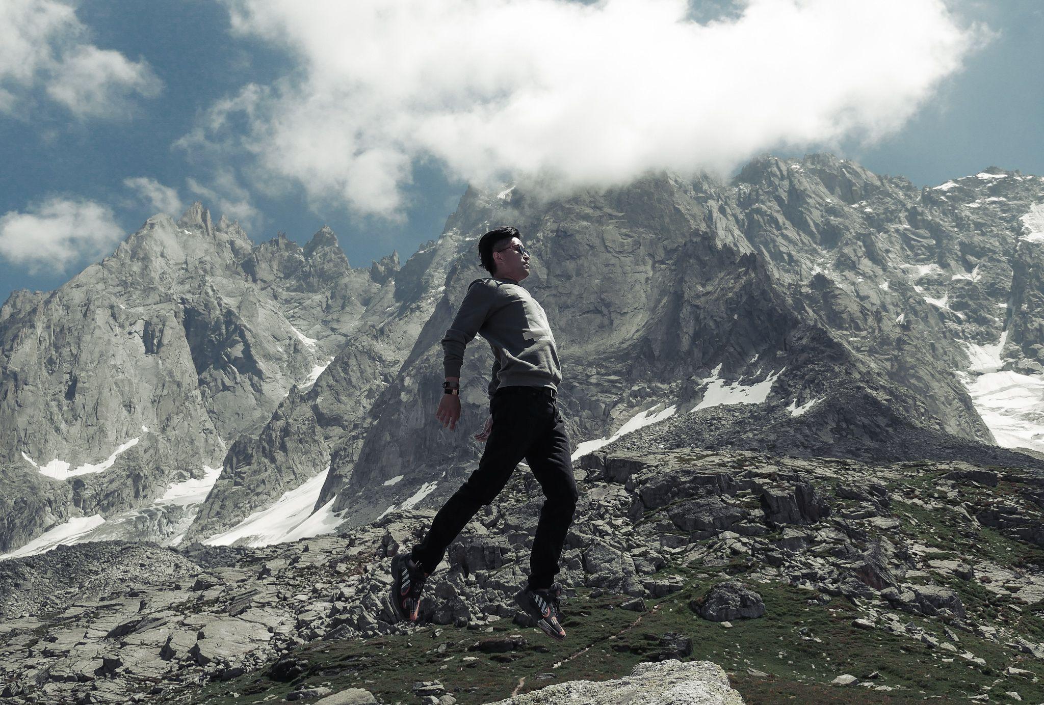 如何眺望阿尔卑斯山脉的勃朗峰才是正经事?