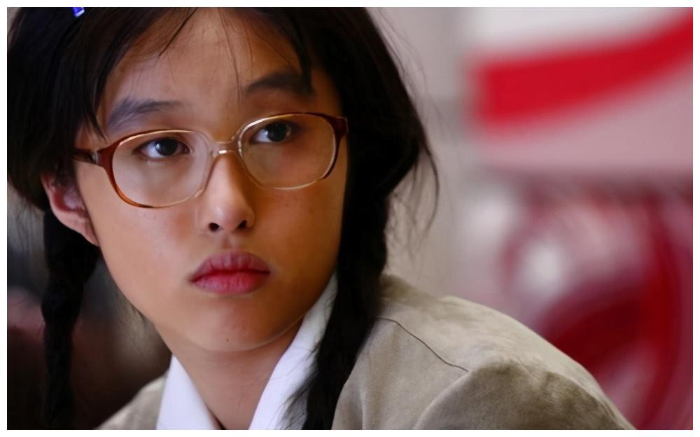 """""""丑女""""李欣汝因一条动态,被张艺谋劝退娱乐圈,她现在怎么样了"""