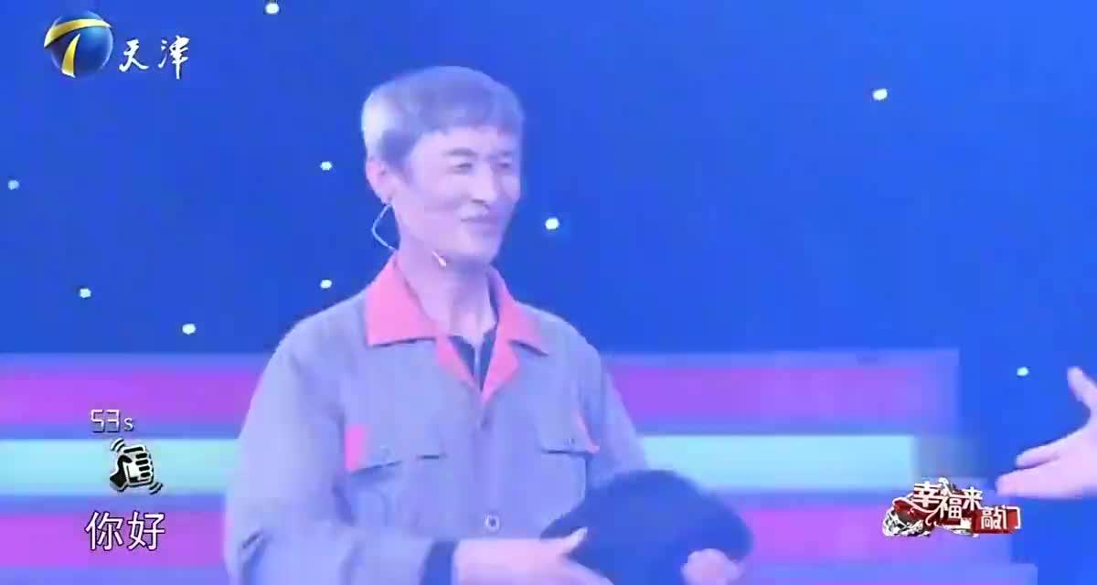 55岁大叔跳起迈克尔杰克逊舞蹈,模仿的真像