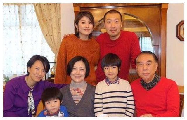 陈慧琳婆婆自称被女儿打伤,禁止对方出现在10米之内