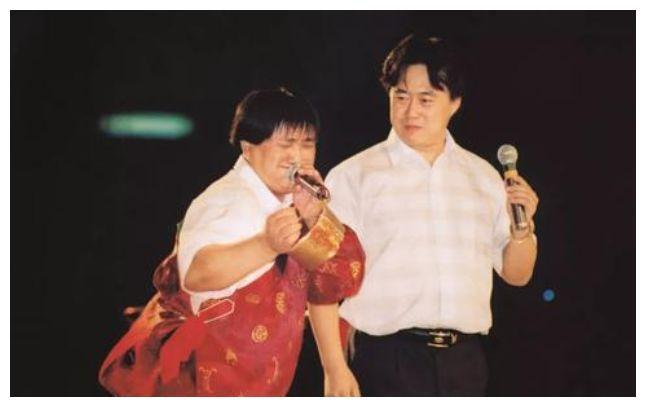 1995年洛桑车祸去世,不是被赵本山所害,20年后博林揭露死亡真相
