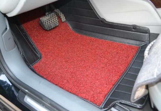 藏在脚下的安全隐患,汽车脚垫怎么选?学会这3招,既实用又安全