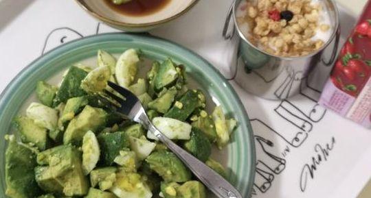 牛油果鸡蛋沙拉,蘸它吃,口感清新