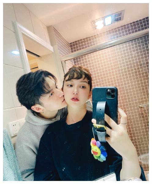 李雨桐公开恋情,曾经爆锤薛之谦高磊鑫,如今新男友比她小4岁