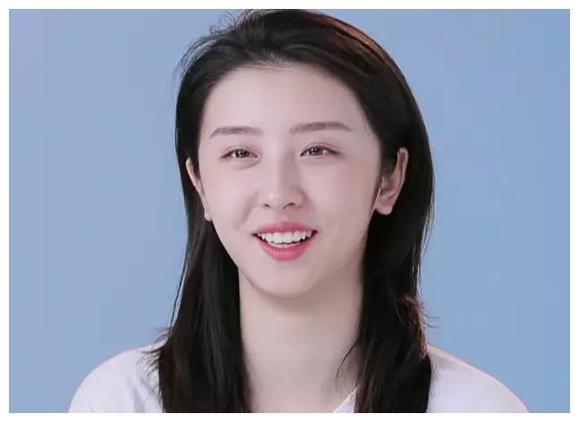 《青你》滤镜有多强大?当赵小棠采访离开美颜,对比感觉判若两人