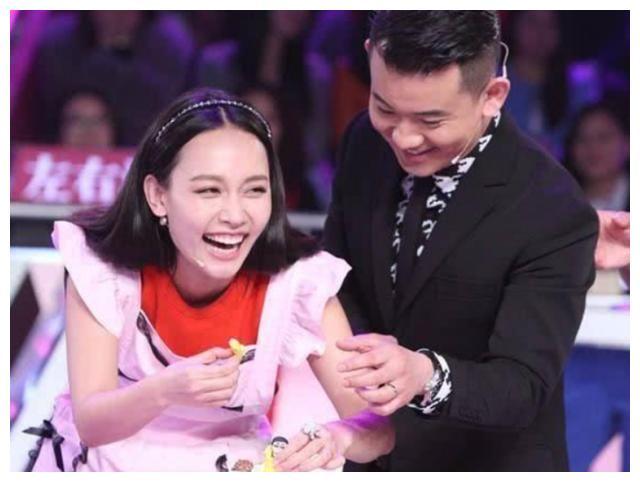 40岁李响公布喜讯升级当爸,跟孙骁骁分手后,低调完婚不公开妻子