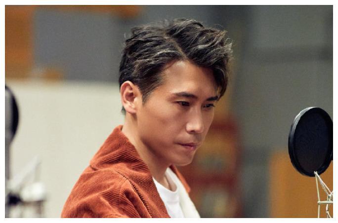 靳东终于有新剧了,合作实力派演员李乃文,吴越也出演!