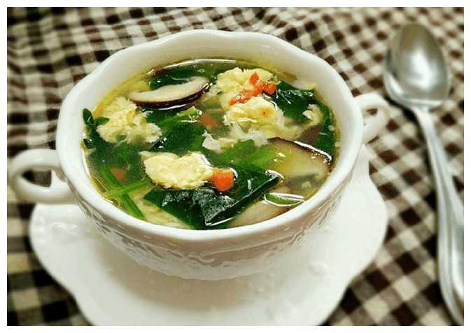 精选美食:芙蓉鲜蔬汤,豆芽炒面,山药排骨汤,香肠豌豆芽的做法