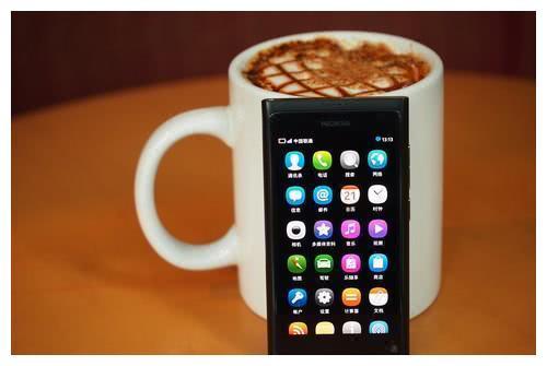 诺基亚 N9 5G新机曝光,昙花一现or王者归来,你怎么看?
