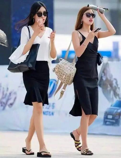 青春风采洋溢的美女,展示年轻女孩的时尚表情,带来最潮的风采