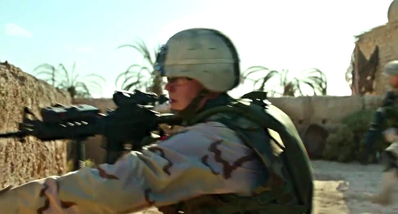 队长被塔利班击中受伤,悍马车重机枪把人打碎!