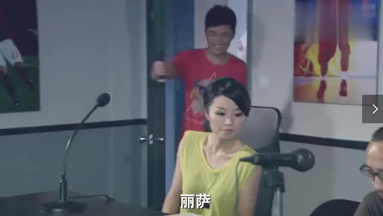 彼得朱失恋,在直播间发泄内心的不满,曾小贤看笑话来了!