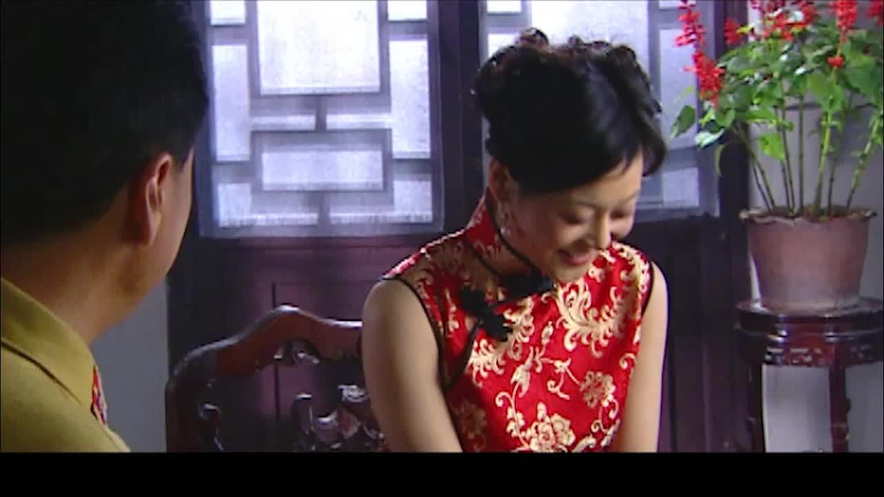 刘长官对辣牡丹出手阔绰为的就是她经常接触日本人能得到情报