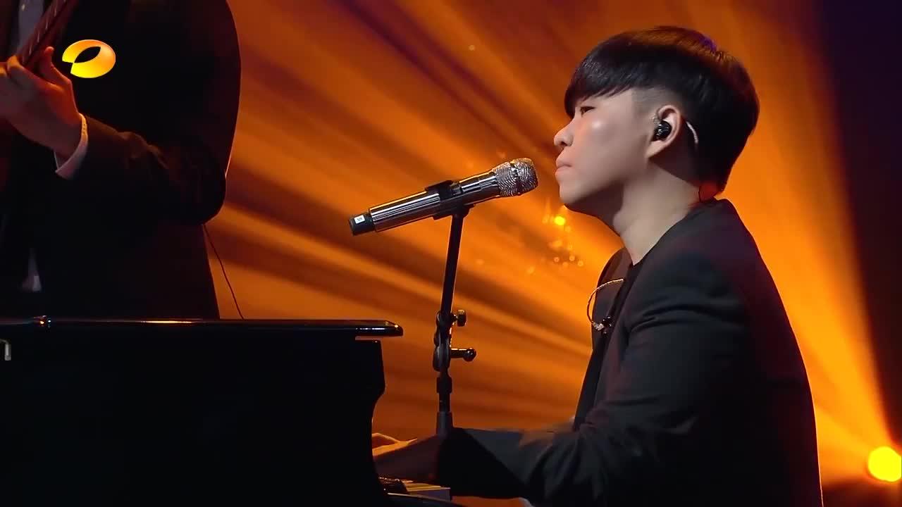 歌手:袁娅维盛情演唱《来日方长》,这感情真投入,李玟都听痴了