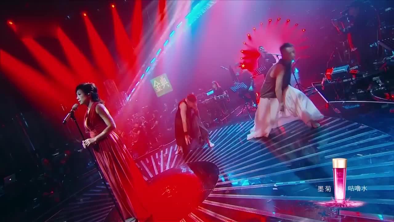 歌手:林忆莲演唱《柿子》放大招,声音堪称天籁,观众都陶醉了