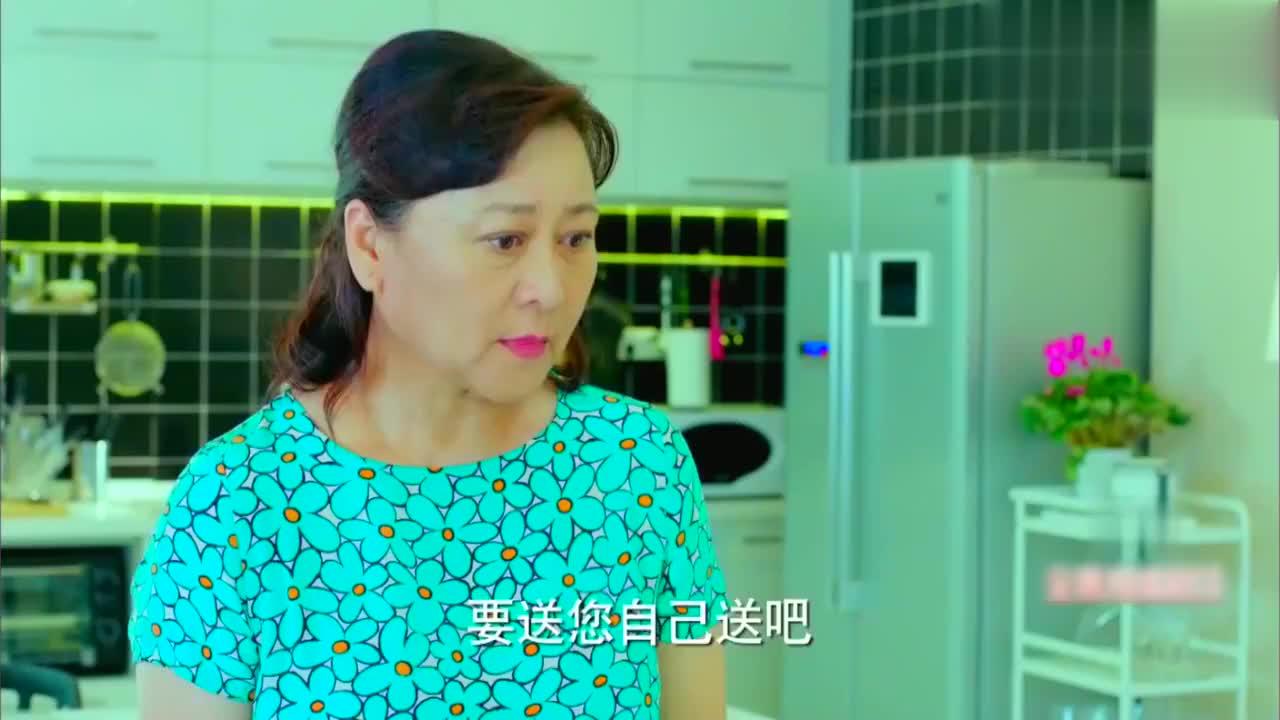 我们的少年时代:李小璐做饭直接把调料瓶扔到锅里炒,太好笑了!