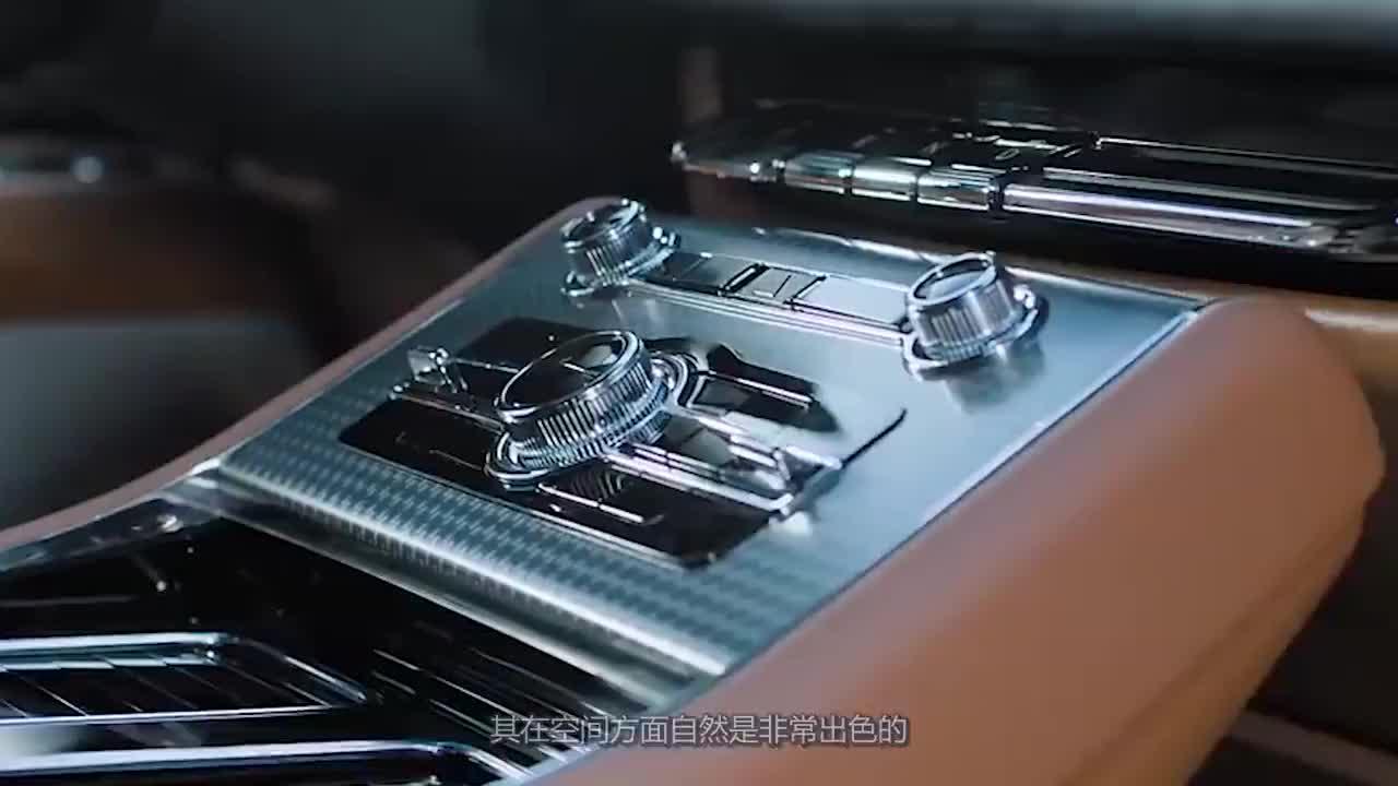 视频:产品力出众的中大型SUV!车长5米起步可爆355马力,看啥奔驰GLC