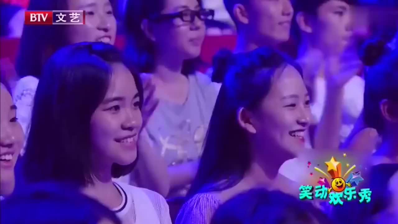 刘涛深情演唱英文金曲,大秀摇滚风,带动全场气氛!