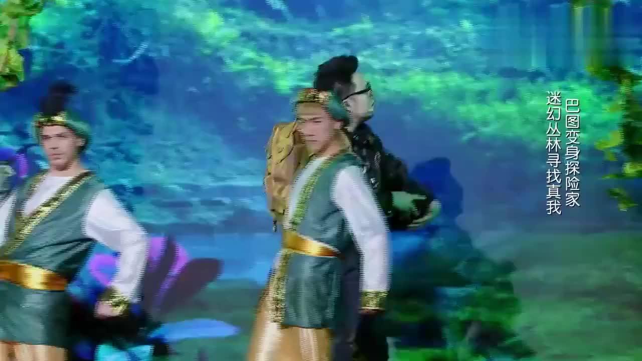 """巴图现场跳起了""""千手观音"""",让人大开眼界,深受观众喜爱!"""