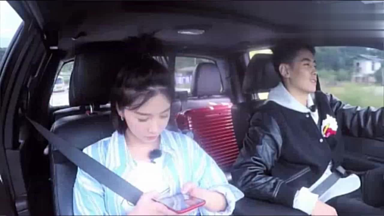 当清子姐姐遇到易烊千玺其他都是浮云,好像看到了电视机前的自己