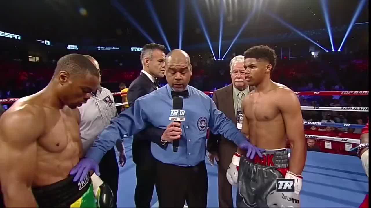 不愧为拳坛明日之星,此战新秀史蒂文森只用两回合就KO了对手