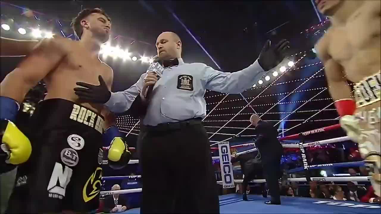 超人气拳王洛佩兹最快的一场KO,开局44秒一拳打晕对手