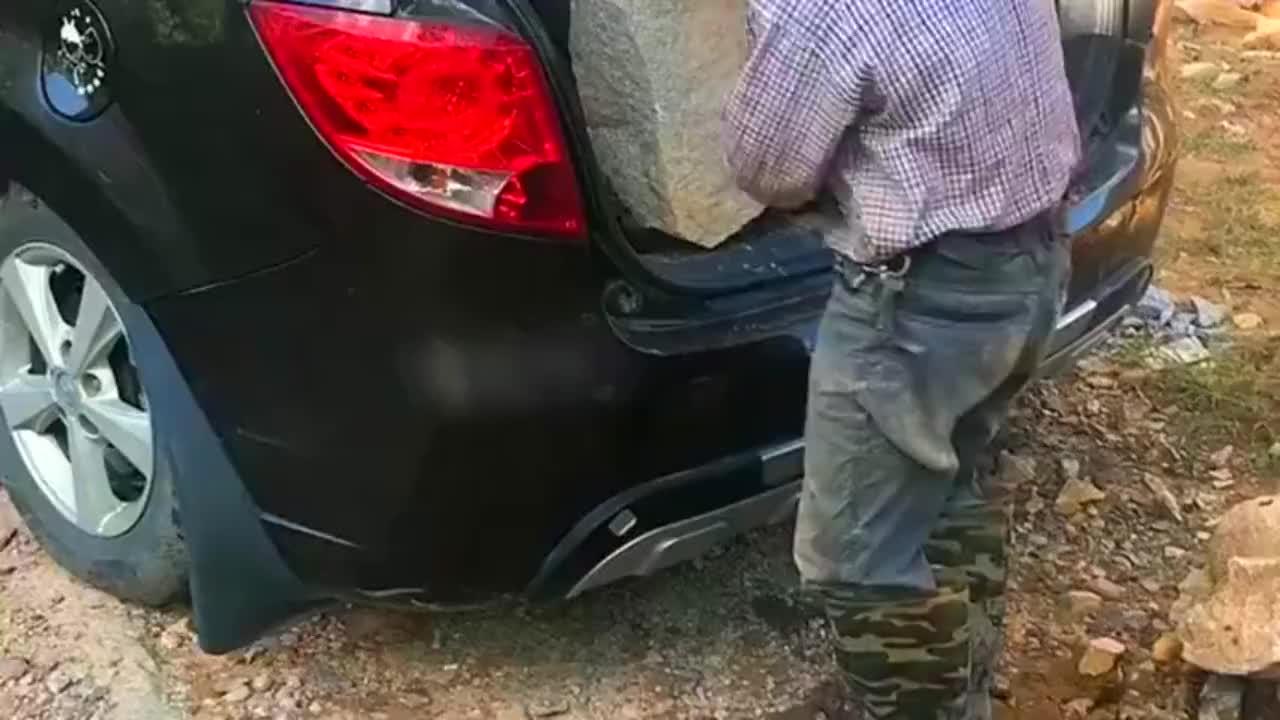 父亲说不能干活的车都不如三蹦子!