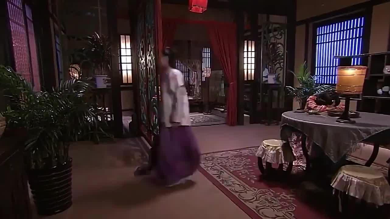 赵丽颖剧中在丈夫家生活,母亲托人给其带东西,赵丽颖脸上乐开花