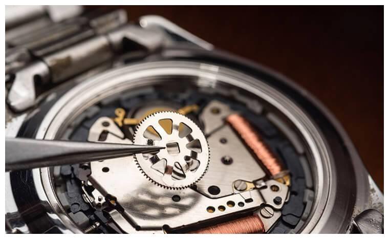 机械表要定期保养,石英表也需要吗?