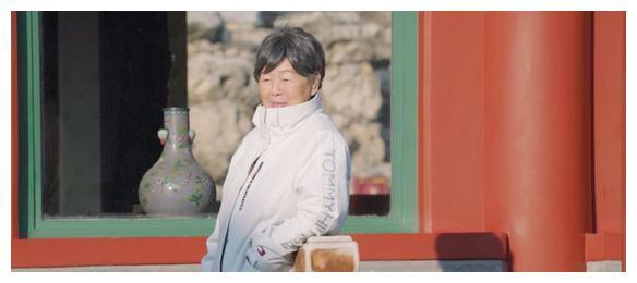 高晓松家世不凡,没曾想他的妈妈更是厉害,敢按梁思成嘴上的痦子