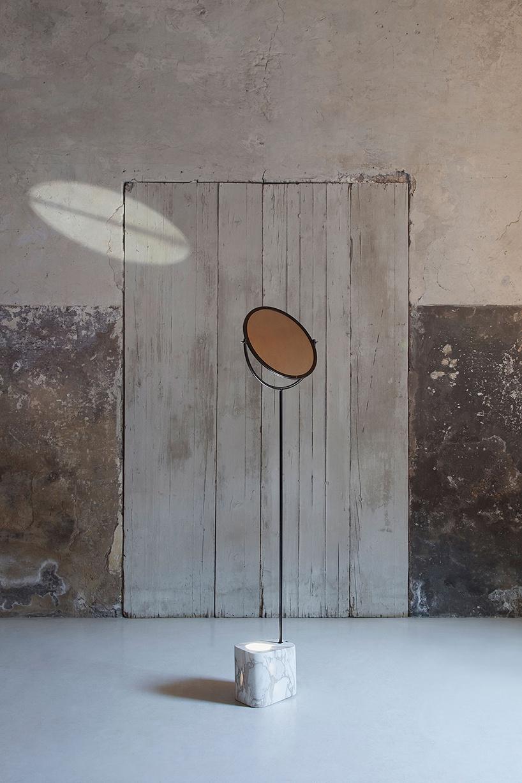 嘉合说设计:马可德马西设计的落地灯灵感来自阿基米德燃烧的镜子