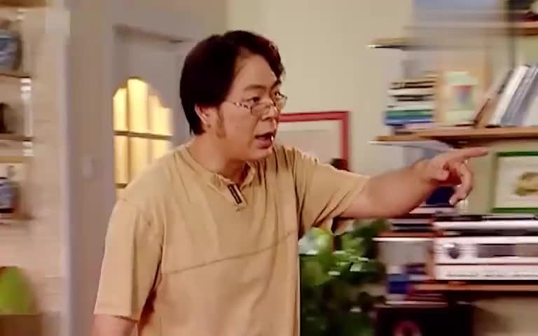 家有儿女:刘梅为了菲菲下血本,自己弄成粉刷匠!