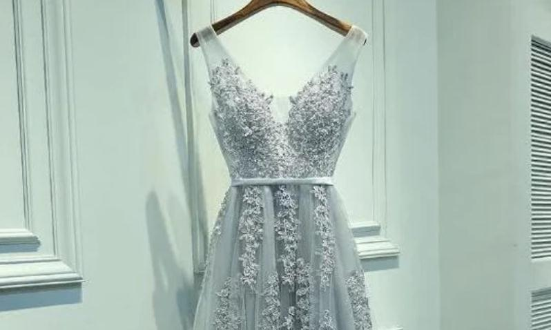 心理测试:凭直觉选出一款晚礼服,测测看你在别人眼中的魅力指数