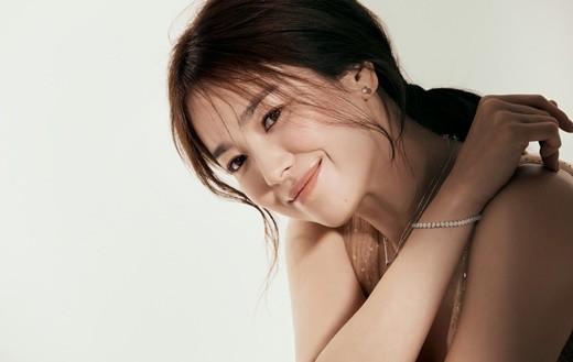 韩国女艺人宋慧乔拍珠宝品牌最新宣传照