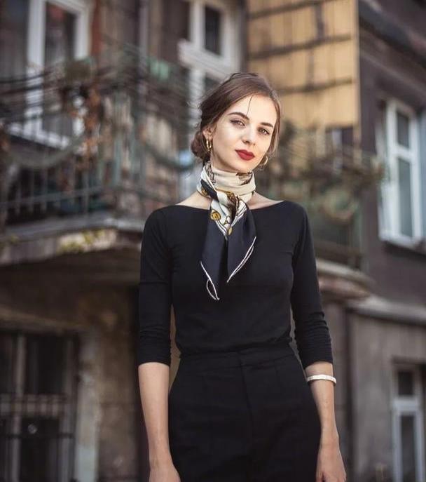 波兰博主的法式穿搭,复古优雅令人过目难忘,女人就该这么精致