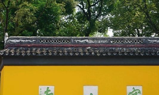 以张继诗《枫桥夜泊》闻名,是一个著名的祈福度假村