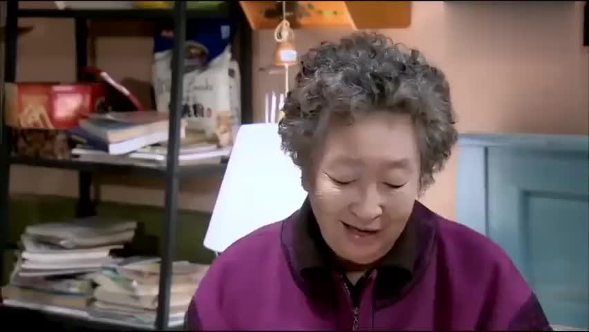 奶奶得了老年痴呆症后,终于肯说出自己藏了40多年的秘密