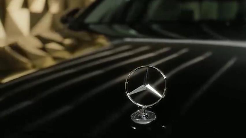 视频:2021款全新奔驰S级轿车宣传片