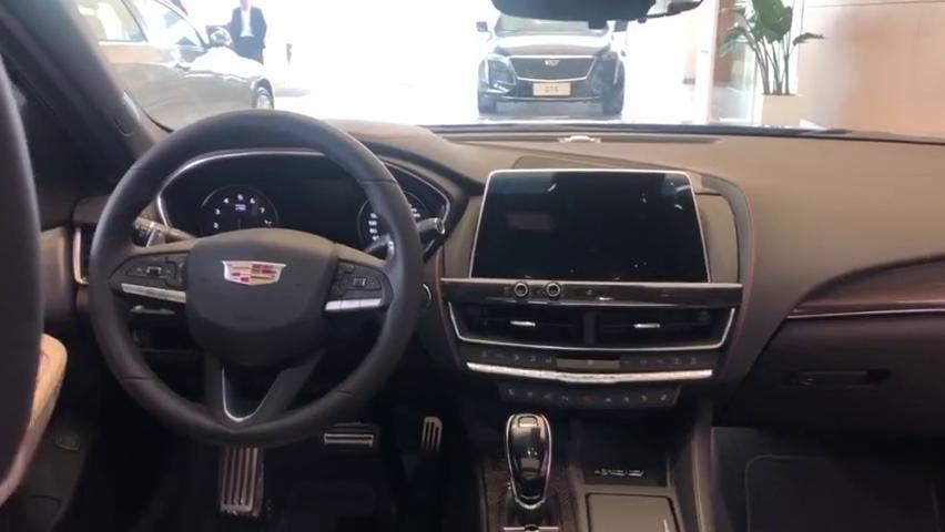 视频:凯迪拉克CT5全新旗舰车型,看到它的内饰后,彻底放弃宝马3系!