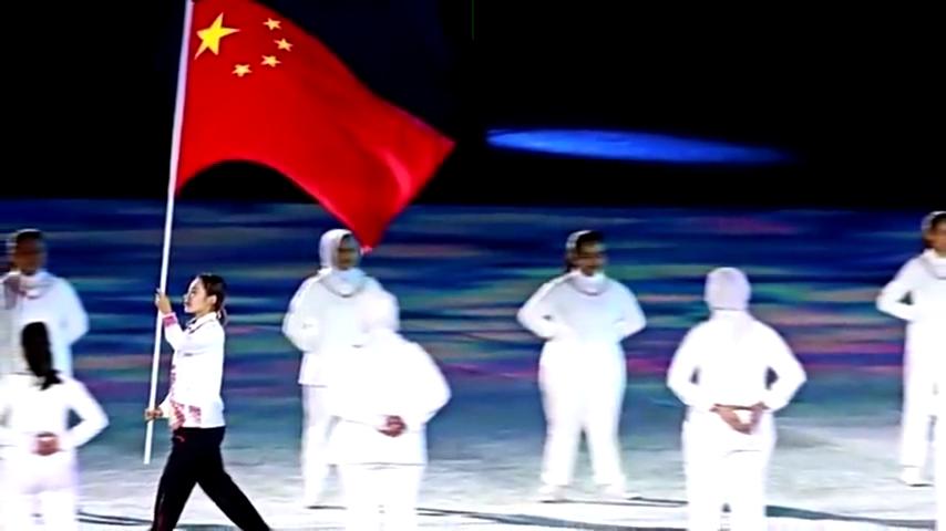 她代表了一个传奇!能成为亚运会闭幕式旗手郭丹自己都没想到