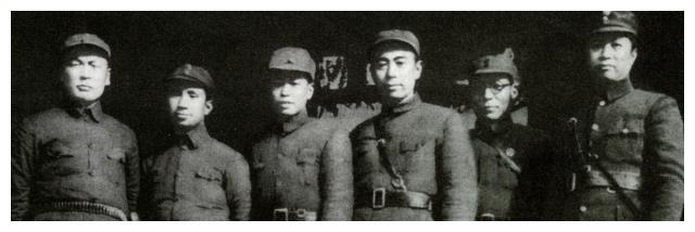 粟裕给楚青写信被当场撕毁,二次表白被拒绝,黄桥战役迎来转机